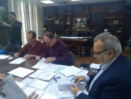 Prefeitura de São José e DER celebram convênio para recuperação de estradas vicinais e estadual.